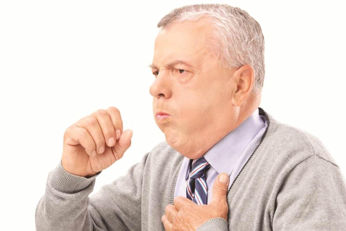 Тяжелый кашель у мужчины