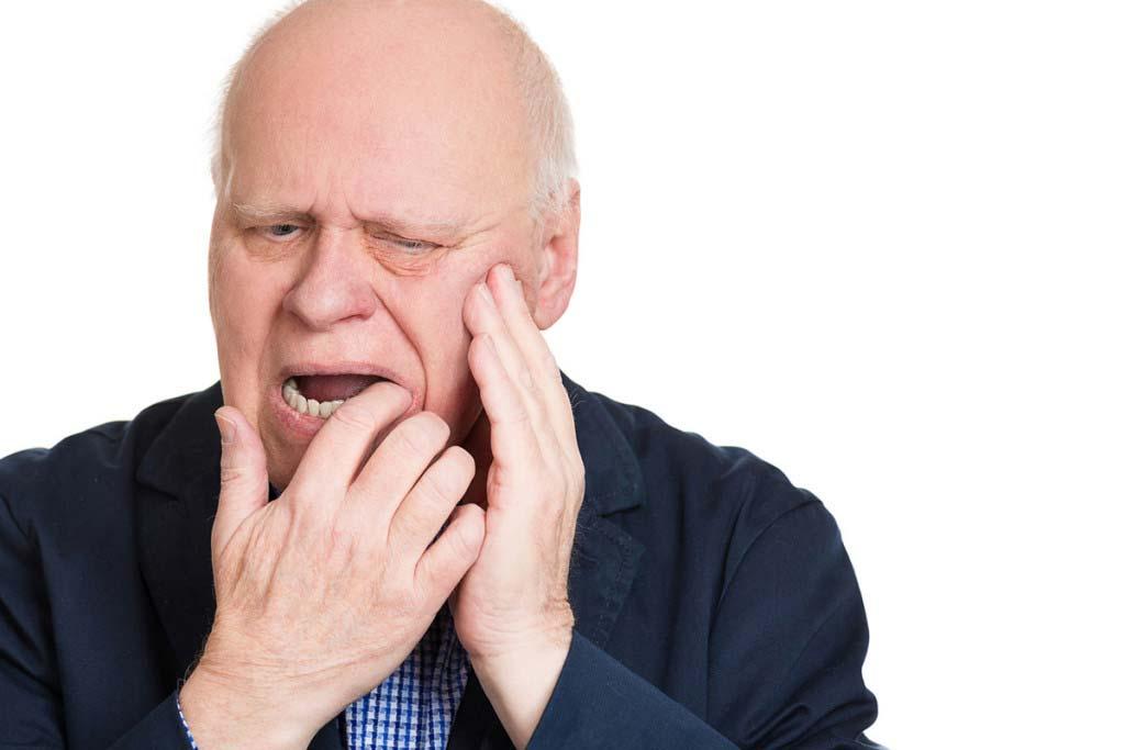 боль в верхней челюсти у пенсионера